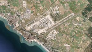 L'aeroport de Son Sant Joan, clau pel turisme, rep prop del 95% dels turistes que visiten Mallorca.