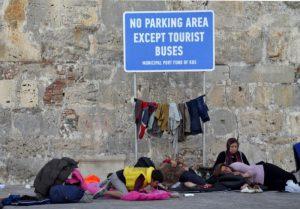 El xoc entre les necessitats de les persones refugiades i els interessos turístics ha provocat conflictes.