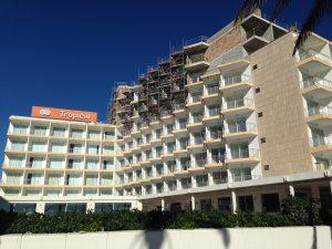 Afegitó de plantes a un hotel a la Platja de Palma al març de 2015. Macià Blázquez.